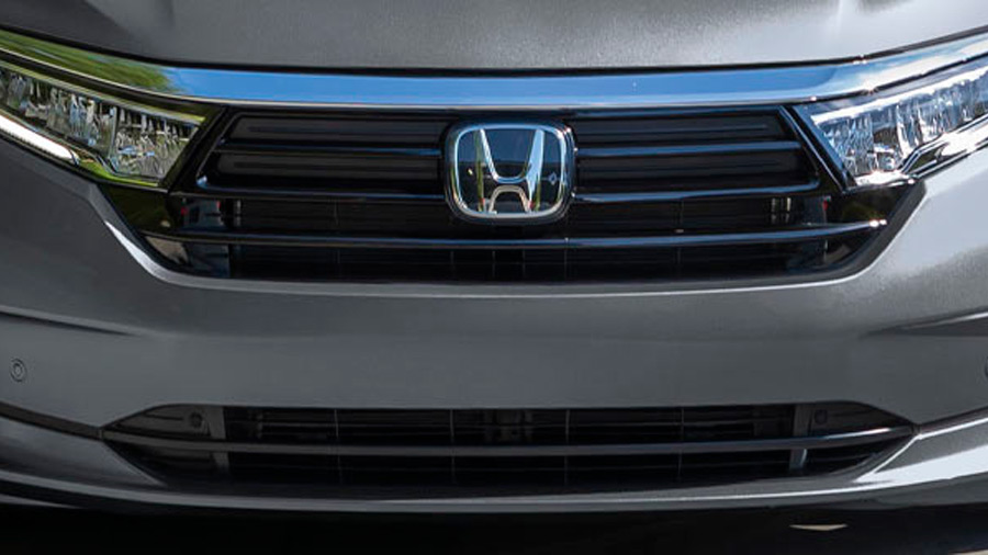 La Honda Odyssey Touring 2022 lleva faros principales LED
