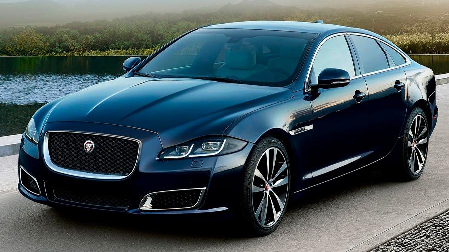 El Jaguar XJ en venta es un auto elegante, espacioso, lujoso y con una conducción enérgica