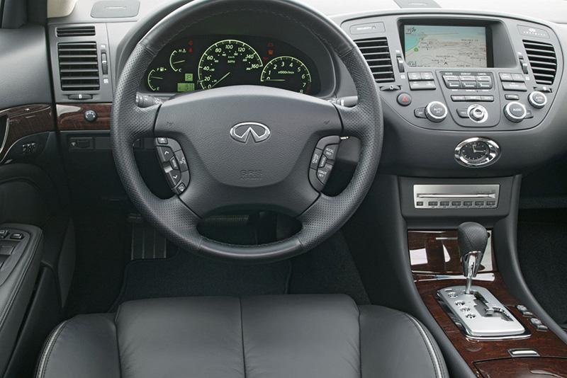 Infiniti Q45 interior