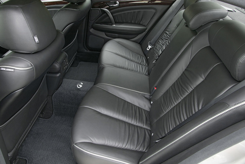 Infiniti Q45 asientos traseros