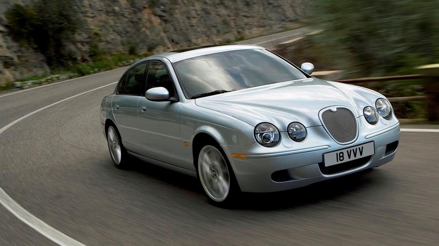 El Jaguar S-Type en venta no logró mantenerse vigente debido a sus carencias en apartados clave