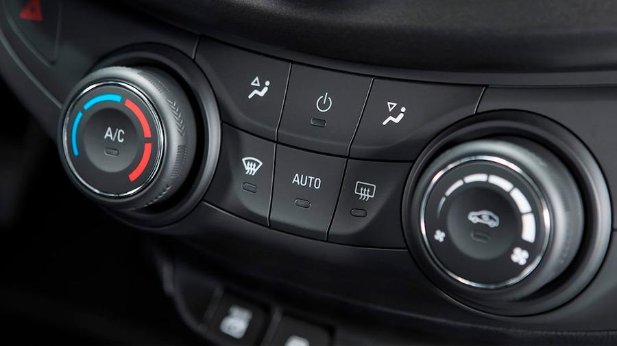 El Chevrolet Aveo LT 2022 lleva equipamiento tecnológico básico