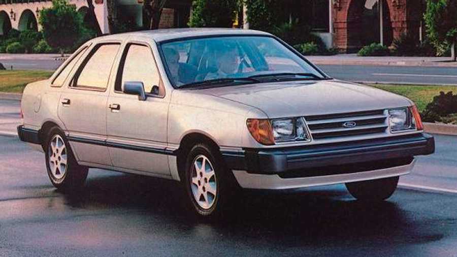 El Ford Topaz en venta sólo tuvo un par de generaciones