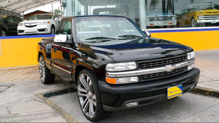 La Chevrolet 400 SS en venta sobresale por su diseño deportivo para tratarse de una pick-up