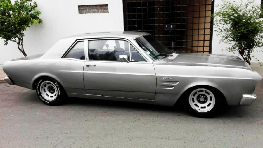 El Ford Falcon en venta se comercializó en la década de los 60