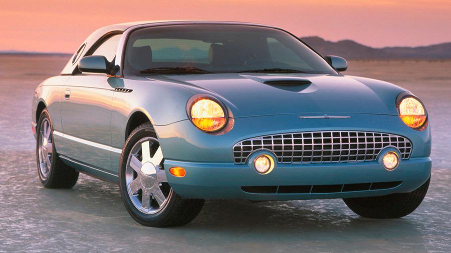 El Ford Thunderbird en venta de 11a generación es considerado un fracaso comercial