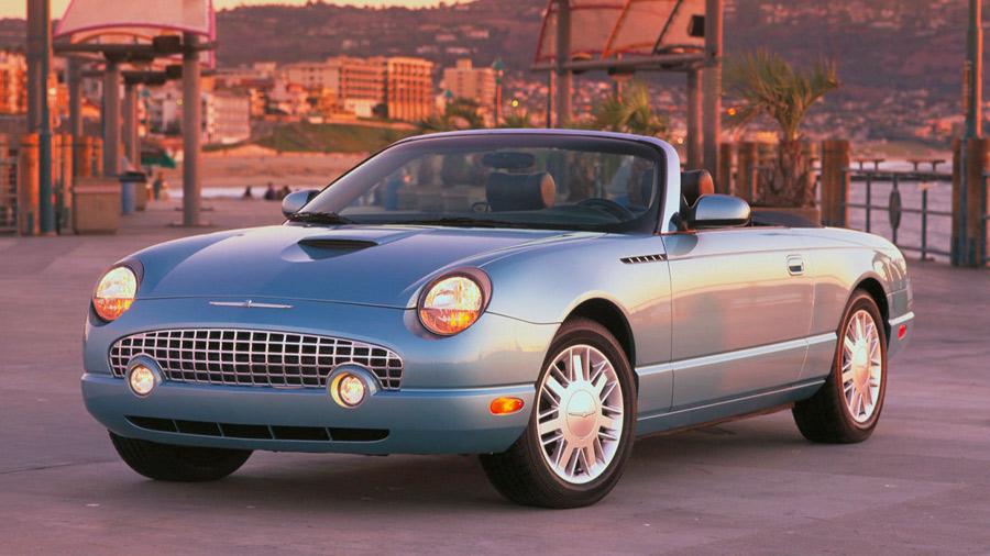 El Ford Thunderbird en venta de última generación tenía un diseño clásico y deportivo