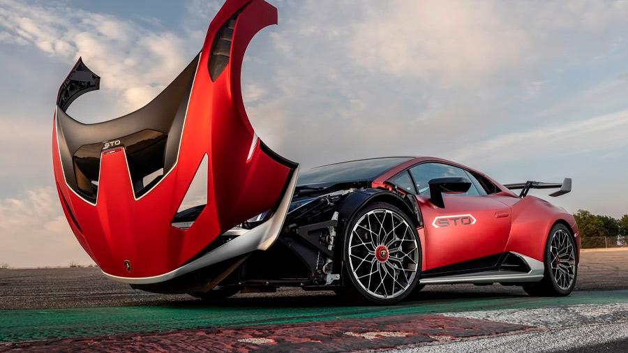 El Lamborghini Huracán precio es un superdeportivo de diseño agresivo, manejo contundente y materiales premium