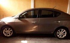 Se pone en venta un Nissan Versa-6