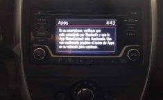 Se pone en venta un Nissan Versa-1
