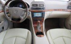 En venta un Mercedes-Benz Clase E 2006 Automático muy bien cuidado-16