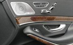 Carro Mercedes-Benz Clase S 2016 de único propietario en buen estado-9