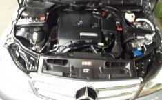 Pongo a la venta un Mercedes-Benz Clase C en excelente condicción-8