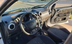Quiero vender un Ford EcoSport en buena condicción-4