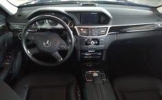 Carro Mercedes-Benz Clase E 2011 de único propietario en buen estado-23