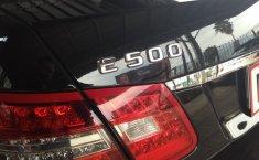 Carro Mercedes-Benz Clase E 2011 de único propietario en buen estado-16