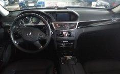 Carro Mercedes-Benz Clase E 2011 de único propietario en buen estado-15