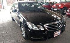 Carro Mercedes-Benz Clase E 2011 de único propietario en buen estado-11