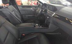 Carro Mercedes-Benz Clase E 2011 de único propietario en buen estado-10