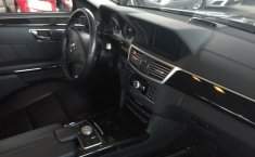Carro Mercedes-Benz Clase E 2011 de único propietario en buen estado-5