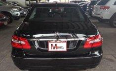 Carro Mercedes-Benz Clase E 2011 de único propietario en buen estado-3