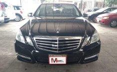 Carro Mercedes-Benz Clase E 2011 de único propietario en buen estado-1