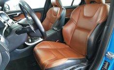 Se pone en venta un Volvo S60-6