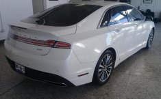 Vendo un Lincoln MKZ impecable-1