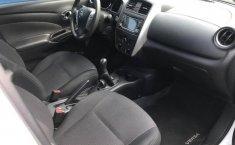 Se vende un Nissan Versa de segunda mano-11