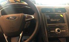 Un carro Ford Fusion 2019 en Hidalgo-0