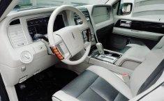 Me veo obligado vender mi carro Lincoln Navigator 2009 por cuestiones económicas-2