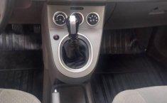 Se pone en venta un Nissan Sentra-2
