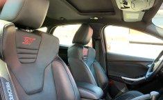 Urge!! En venta carro Ford Focus 2013 de único propietario en excelente estado-4