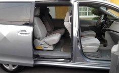 Pongo a la venta cuanto antes posible un Toyota Sienna que tiene todos los documentos necesarios-6