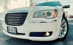 Precio de Chrysler 300 2012-4