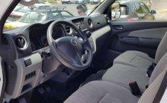 Pongo a la venta cuanto antes posible un Nissan Urvan en excelente condicción-1