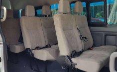 Pongo a la venta cuanto antes posible un Nissan Urvan en excelente condicción-3