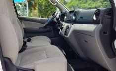 Pongo a la venta cuanto antes posible un Nissan Urvan en excelente condicción-2