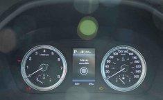 Carro Hyundai Sonata 2018 de único propietario en buen estado-12