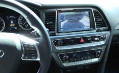Carro Hyundai Sonata 2018 de único propietario en buen estado-8