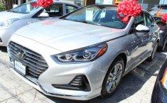 Carro Hyundai Sonata 2018 de único propietario en buen estado-10