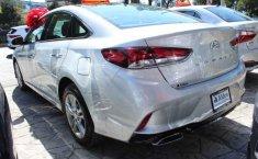 Carro Hyundai Sonata 2018 de único propietario en buen estado-1
