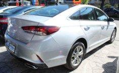 Carro Hyundai Sonata 2018 de único propietario en buen estado-3