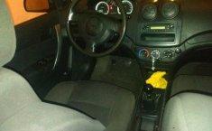 Carro Chevrolet Aveo 2013 de único propietario en buen estado-4