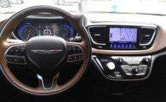 Urge!! En venta carro Chrysler Pacifica 2017 de único propietario en excelente estado-18