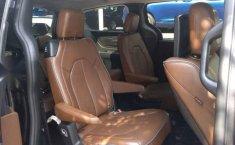 Urge!! En venta carro Chrysler Pacifica 2017 de único propietario en excelente estado-16