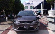 Urge!! En venta carro Chrysler Pacifica 2017 de único propietario en excelente estado-6
