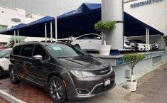 Urge!! En venta carro Chrysler Pacifica 2017 de único propietario en excelente estado-2