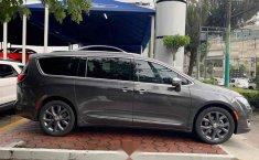 Urge!! En venta carro Chrysler Pacifica 2017 de único propietario en excelente estado-1