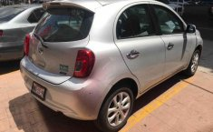 Vendo un Nissan March-1